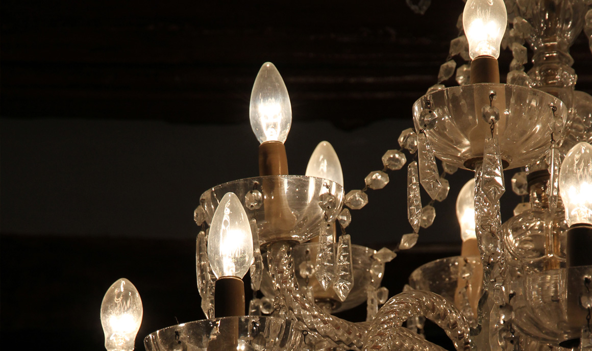 Detalle de decoración: Lámpara de araña