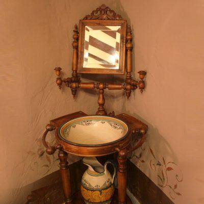 Detalle de decoración: Palanganero
