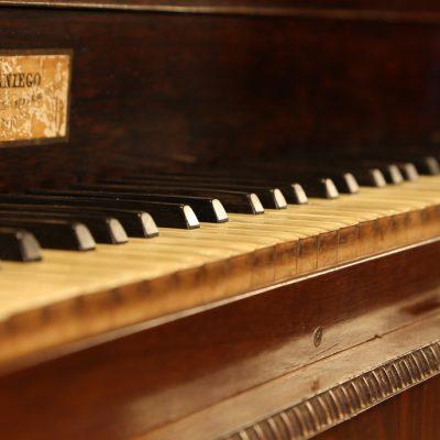 Detalle de decoración: Piano